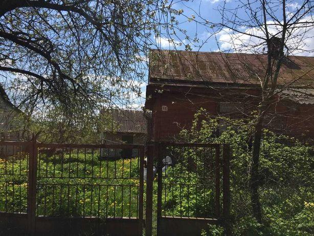 Деревяний будинок з земельною ділянкою  Локачі