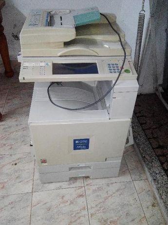 Fotocopiadora A4 e A3 Aficio 1224C + acessórios