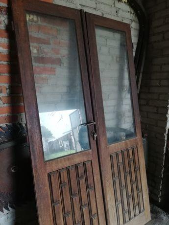 Drzwi drewniane, dębowe, dwuskrzydłkowe. Bardzo ładne