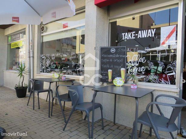 Trespasse de café, Snack Bar em Ermesinde com um rendimento mensal con