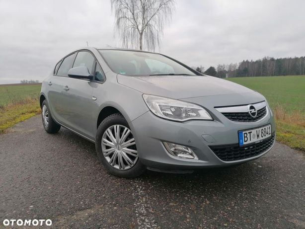 Opel Astra 2011_1.4 benzyna_niski oryginalny przebieg _bezwypadkowa _sprowadzona
