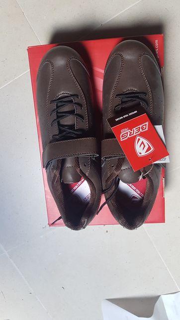 Sapatos estrada Berg 42 novos vintage