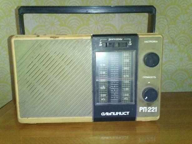 Продам радиоприемник Альпинист РП-221.
