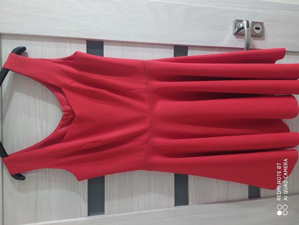 Sukienka czerwona roz. 40