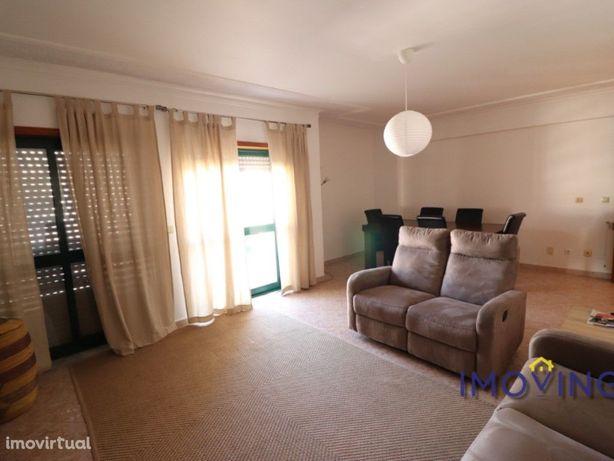 Apartamento T2 para arrendamento na Quinta dos Fidalguinh...