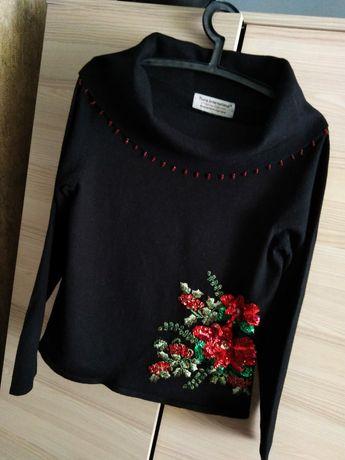 Świąteczny sweterek Tiara International