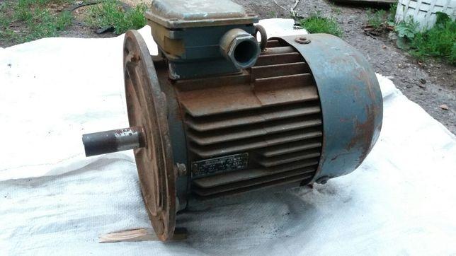 Продам рабочий асинхронный двигатель 3 кВт 950 об/мин