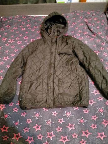 Продам весеннюю куртку на мальчика