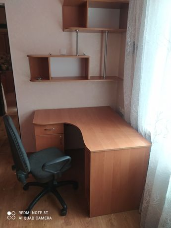 Продам мебель для школьников- студентов