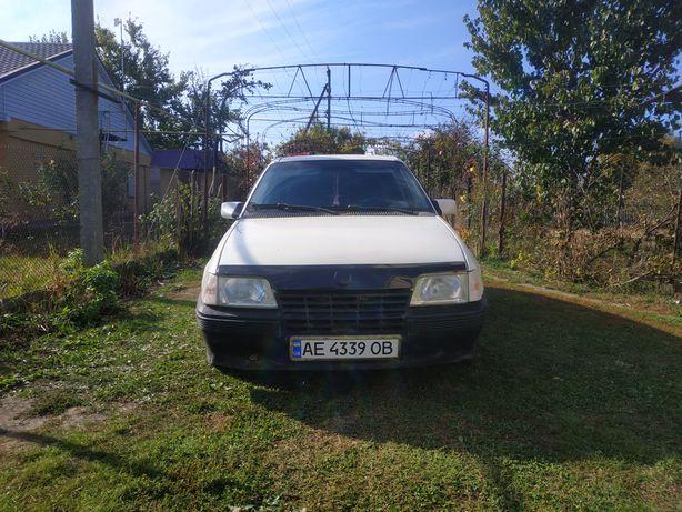 Автомобиль 86 года. Opel Kadett