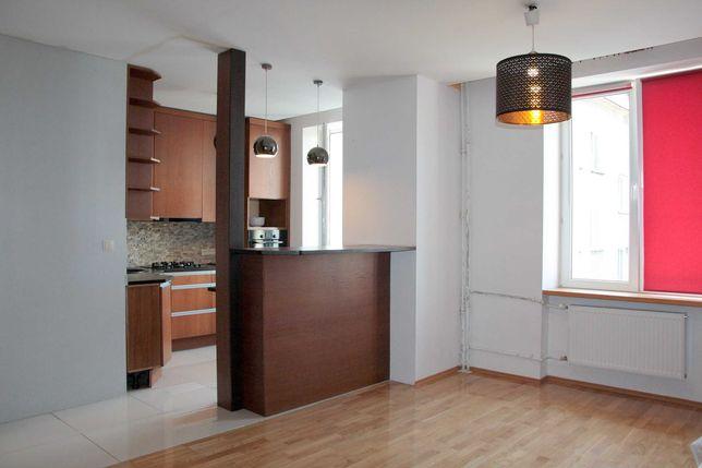 Łochowska 37,3m, pokój z kuchnią, kamienica