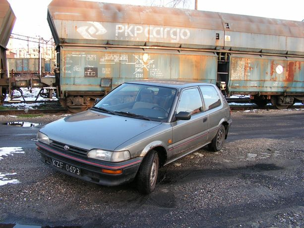 Toyota Corolla E9 XL 3d hatchback 1,3 benzyna youngtimer Okazja!