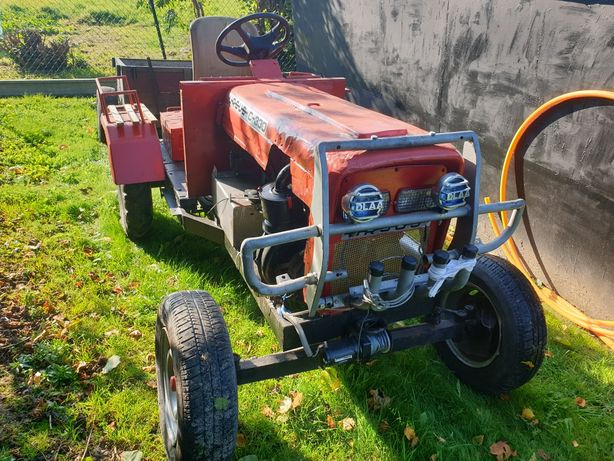 Traktorek sam 126p z przyczepką