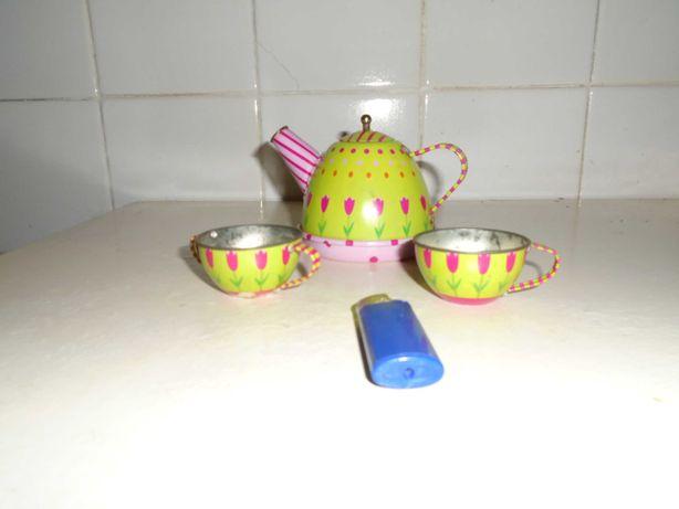 brinquedos artesanais antigos em chapa de ferro esmaltadas