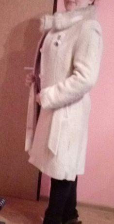 Elegancki ciepły płaszczyk, płaszcz jasny