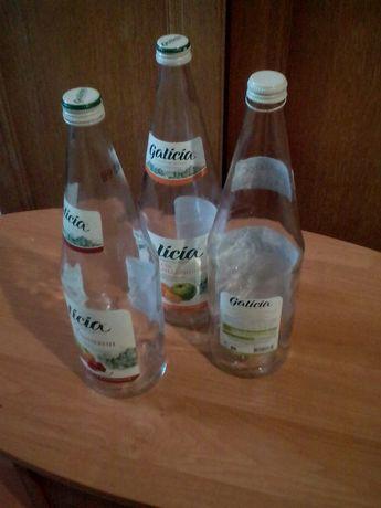 Литровые бутылки 1л.(стекло).Для соков,вина.