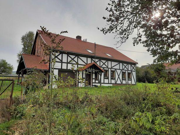 Uroczy dom na wsi