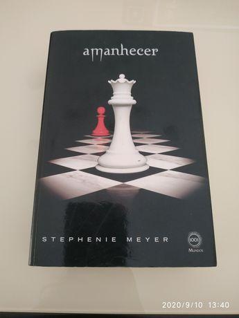 Livro AMANHECER (último saga Crepúsculo)