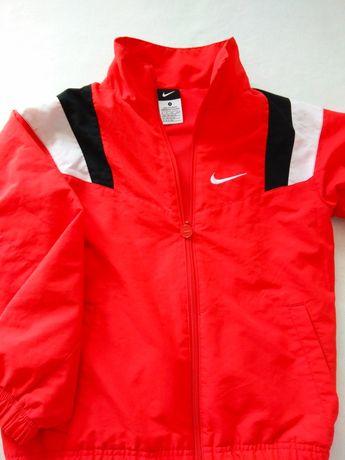 Wiatrówka Nike 140