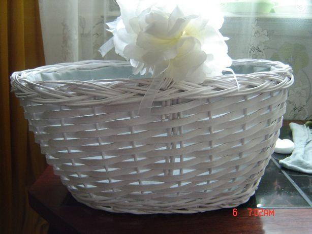 Koszyk wiklinowy np. na wesele , grzyby, itp.