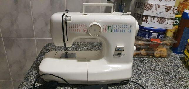Máquina de costura portátil, praticamente nova