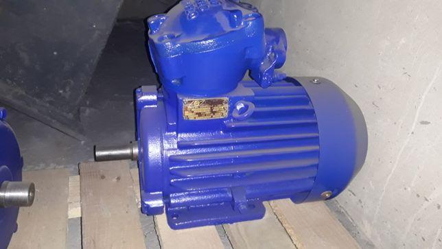 Електро двигатель 2.2 квт, 950об,380/660.