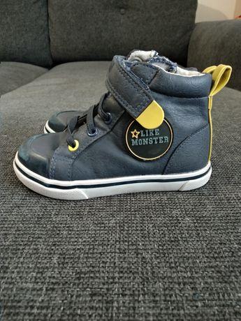 Кеди кросовки шкіряні  nike puma adidas vertbaudet