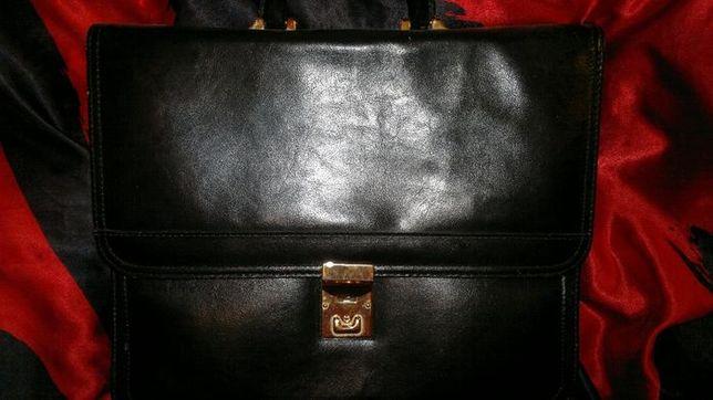 nowa-torba na dokumenty-kupiona w Edynburgu-zmek na kluczyk