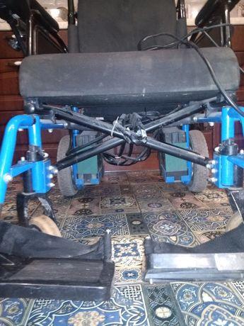 Продам коляску для людей с ограниченными возможностями