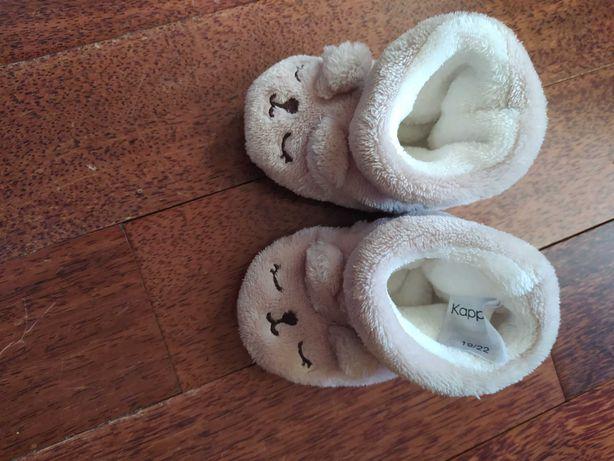 Ciepłe kapcie niemowlęce Kappahl