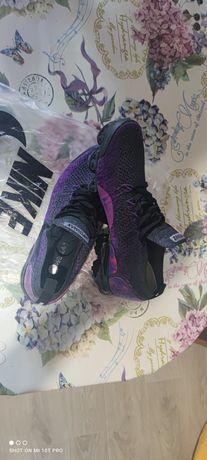 Мужские новые кроссовки 26 см по стельке.