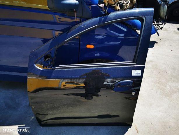 Porta Frente Esquerda Dacia Duster do ano 2017