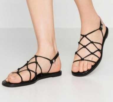 Czarne sandały MONKI Isla r. 36