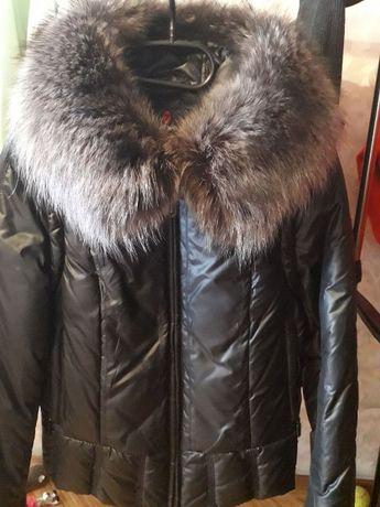 Женская куртка (пуховик) в отличном состоянии