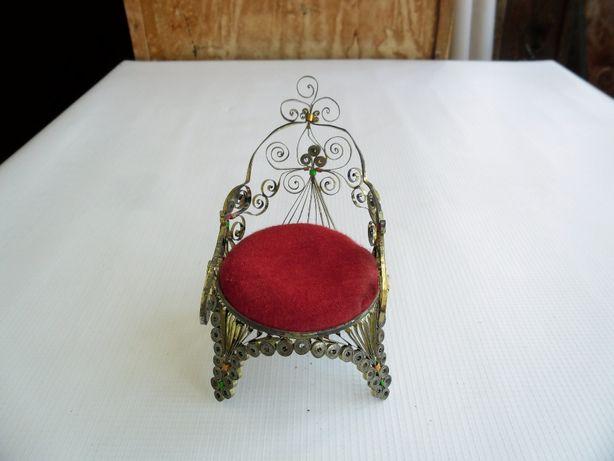 Самодельное кресло из жестяной ленты