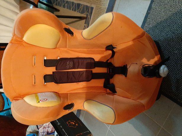 Cadeirinha de bebé para automovel ajustável e com forro para criança