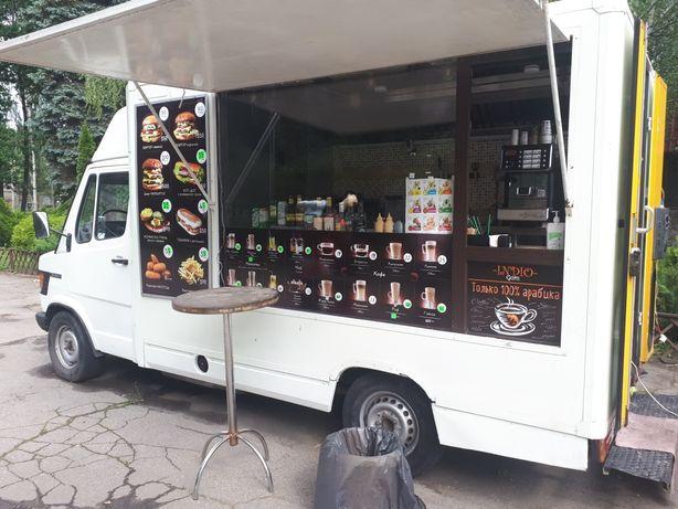 Фуд трак кафе на колесах