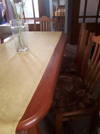 Stół plus 6 krzeseł z obiciem