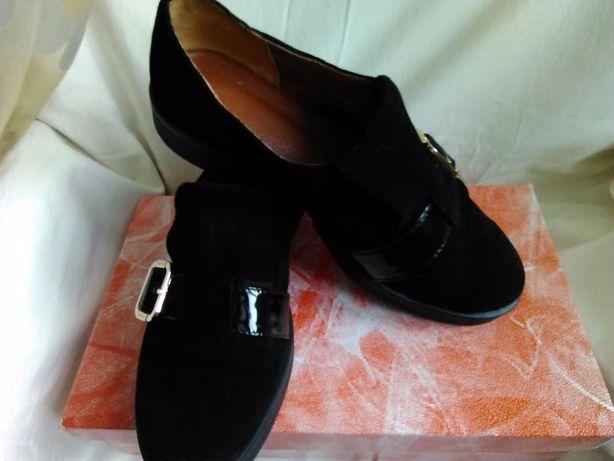 Продам туфли 37 размер новые натуральный замш
