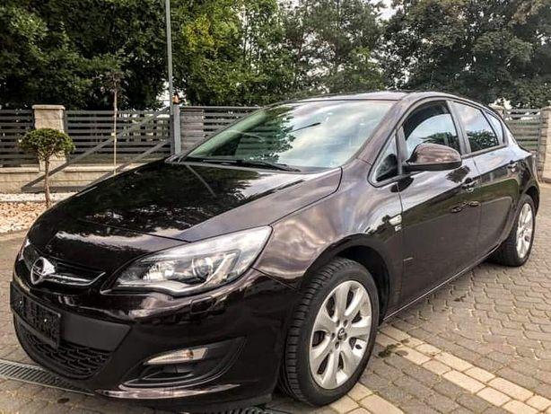 Opel Astra 1.6b,mokka,full,bixenon,LED,skóry,lift