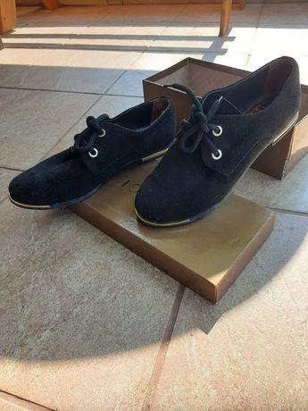 Туфлі жіночі/кросівки