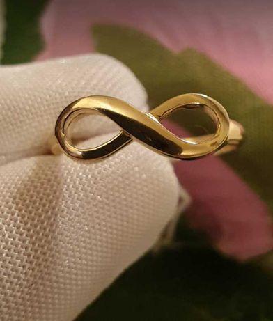 Damski pierścionek w kształcie nieskończoności złoto 585