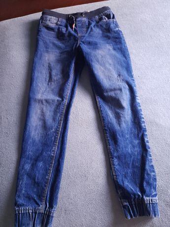 Spodnie dżinsowe 146cm