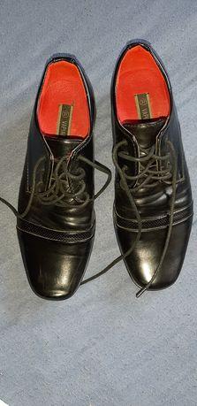 Buty komunijne używane