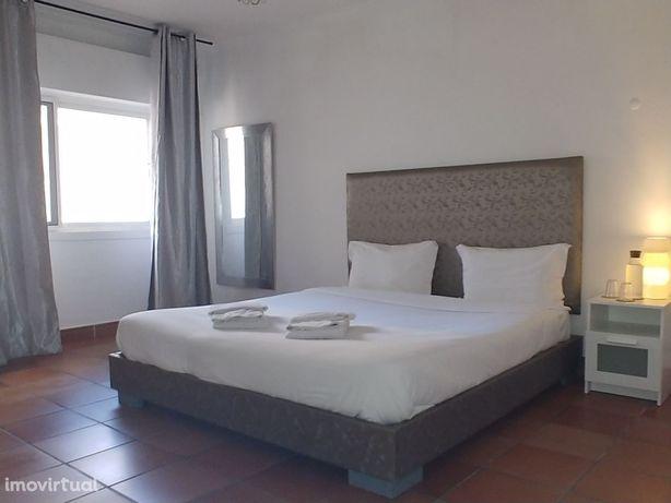 Apartamento T2 com vista mar, mobilado na Parede