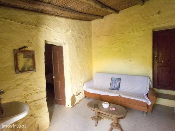 Moradia com dois quartos para recuperar em Vaqueiros Alco...