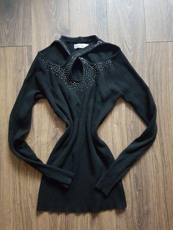 Sweterek czarny wycięcia s/m