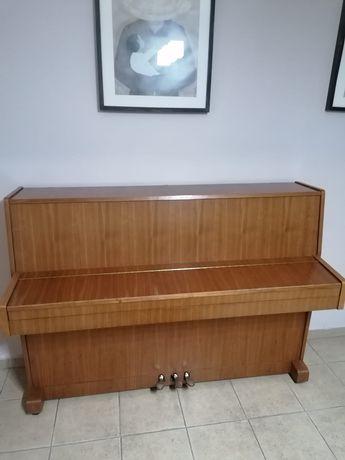 Pianino uzywane polskiej firmy Legnica