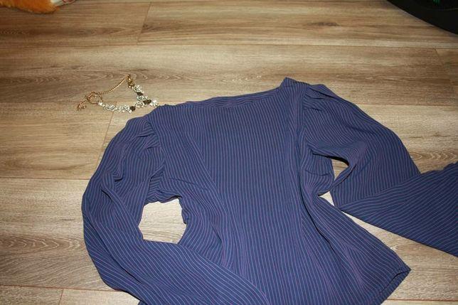 Блуза в в червону і синю полоску