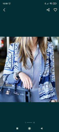 Blazer Zara Estampa de lenço toque acetinado